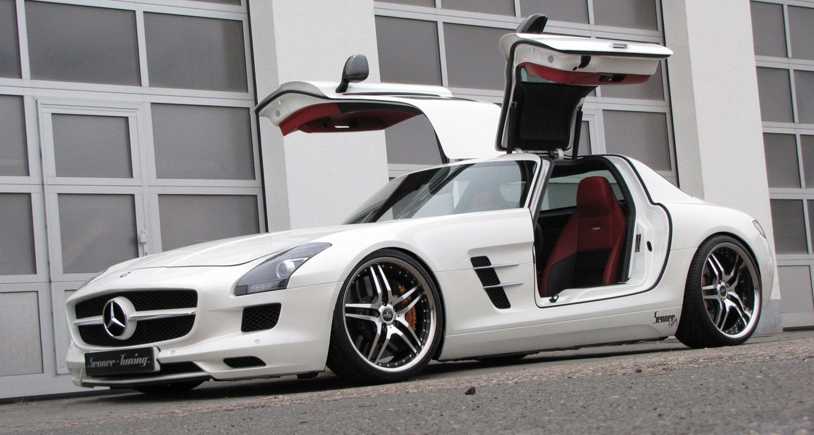 Mercedes sls amg interesting news with the best mercedes for Mercedes benz suicide doors