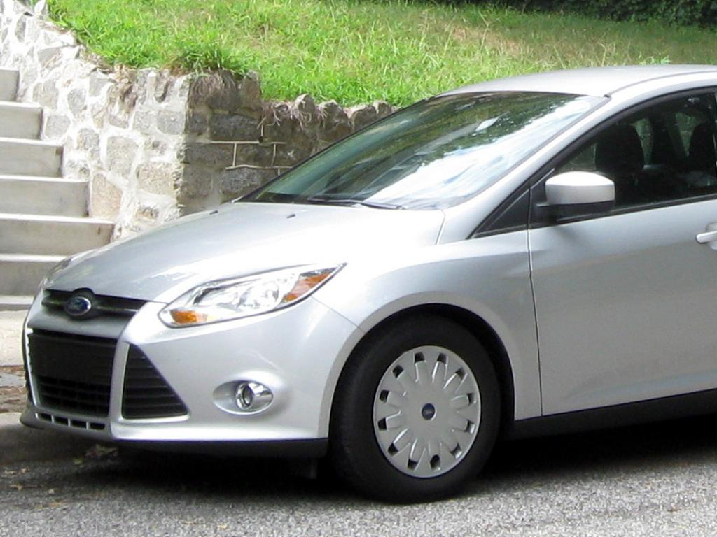 Ford Focus #1 - high quality Ford Focus pictures on MotorInfo.org