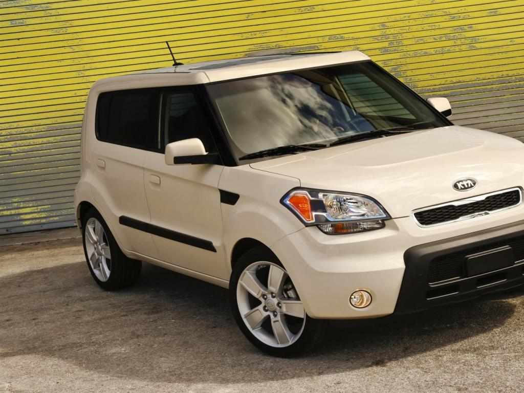 kia soul 15 high quality kia soul pictures on. Black Bedroom Furniture Sets. Home Design Ideas
