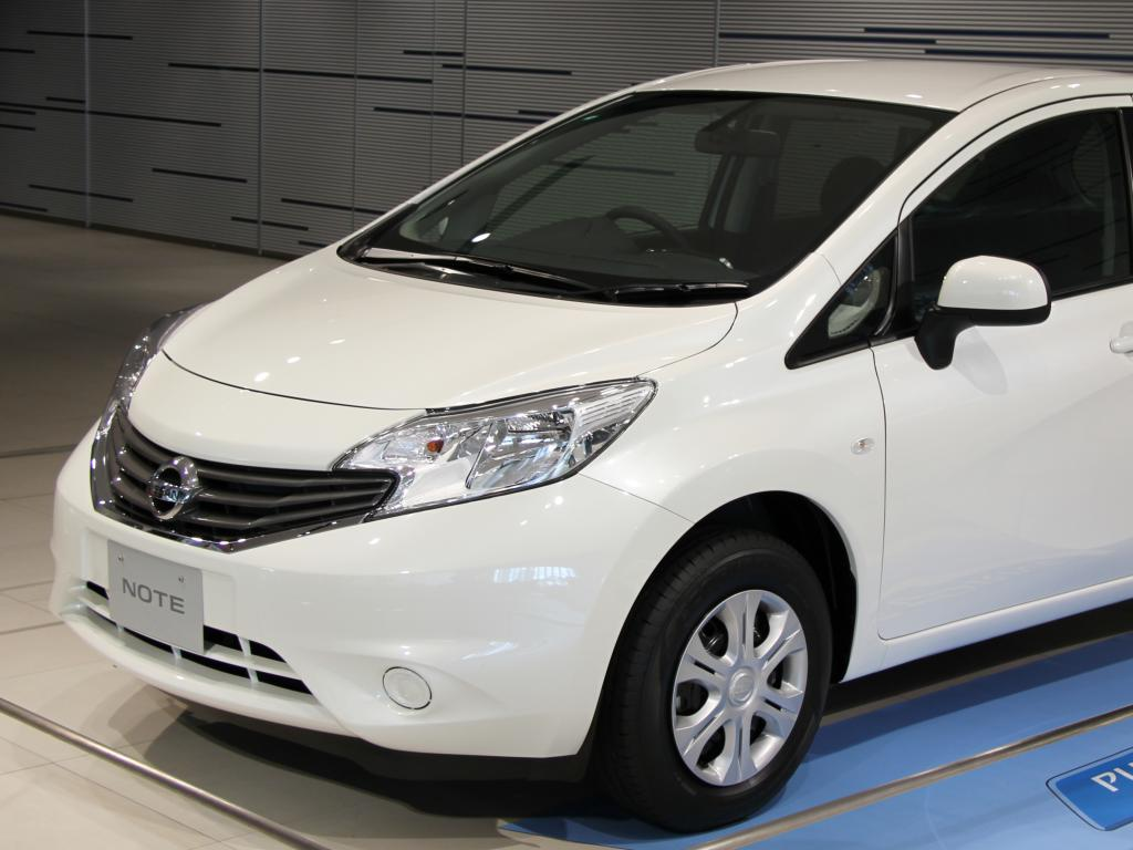 nissan note 2 high quality nissan note pictures on. Black Bedroom Furniture Sets. Home Design Ideas