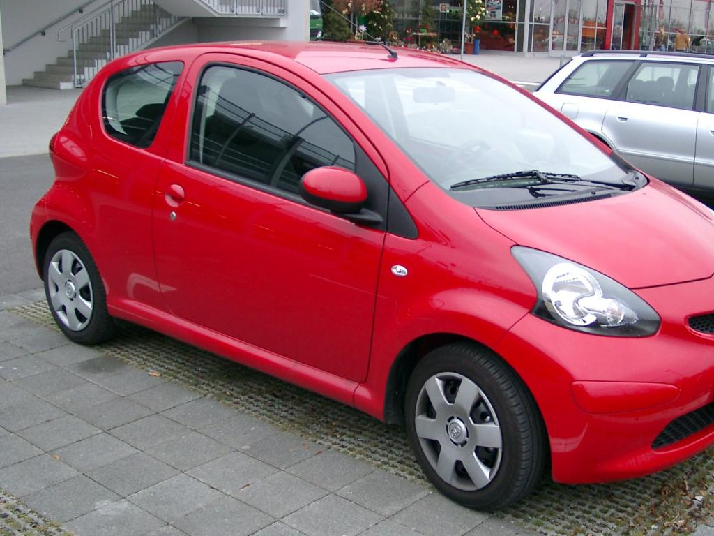 toyota aygo 10 high quality toyota aygo pictures on. Black Bedroom Furniture Sets. Home Design Ideas
